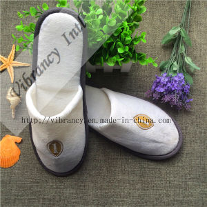 Goood Quality Velvet Disposable Hotel Slippers pictures & photos