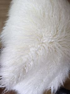 Milk White and Pure White Fluffy Mongolian Faux Fur pictures & photos
