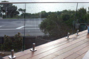 Modern Glass Railing System for Deck pictures & photos