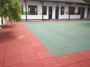 Hot Selling Gym/Playground/ Rubber Tile / Rubber Outdoor Tile / Rubber Indoor Shooting Range Tile /Rubber Flooring Tile / Rubber Paver /Rubber Mat pictures & photos