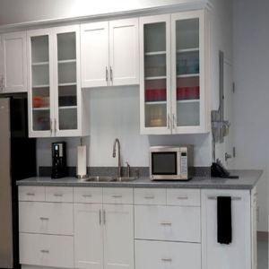 Bck Australia′s Latest White UV Gloss Kitchen Cabinets N15-5 pictures & photos
