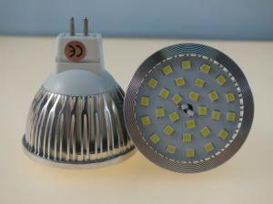 New Dimmable 12V 60PCS 3528 SMD MR16 Down Light Spotlight Bulb pictures & photos