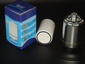 Bath Shower Energy Filter with Combined Carbon and Kdf Material to Wippe off Chemical and Heavy Metals pictures & photos