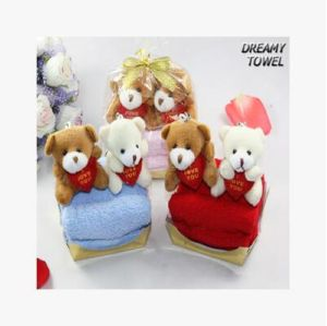 Wholesale China Cheap Expanding Small Gifts Little Bear Cupcake Towel pictures & photos