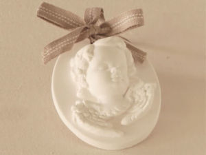 Different Colors and Models for Your Choice Scented Ceramic pictures & photos