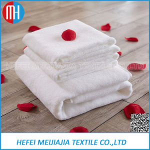 Wholesale Plain 100% Cotton Professional Hotel Bath Towel pictures & photos