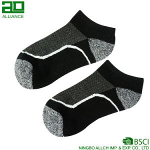 Hot Sale Men Cool Ankle Custom Wholesale Socks pictures & photos