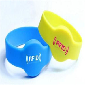 Promotional Customized RFID Silicone Wrist Band pictures & photos