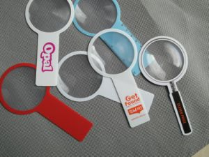 Magnifing Lens with 3 Bonus Bookmark Magnifiers for Reading (HW-817) pictures & photos