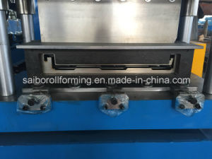 Metal Deck Roll Forming Machine with Pre-Cutting pictures & photos