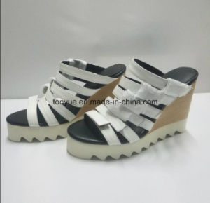 Lady Kid Leather Platform Women Sandals pictures & photos