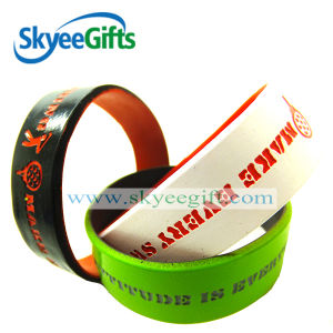 Customized Design Sports Silicone Wristband pictures & photos