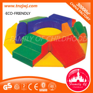 2016 Factory Price Kids Indoor Soft Play Equipment pictures & photos