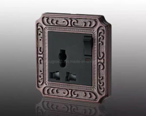 2016 Luxury New Design Zinc Alloy Panel 13A Mf Switched Socket pictures & photos
