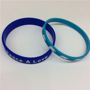 Simple Printed Silicon Personalized Bracelets From Manufacture pictures & photos