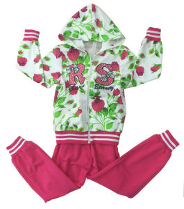 Fashion Girl French Terry Suit in Children Clothing Sport Wear (SWG-117) pictures & photos