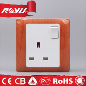 British Type Wooden Color 13A Socket pictures & photos