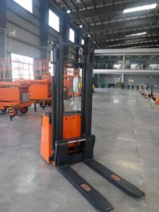 Powerful Engine Electric Stacker pictures & photos
