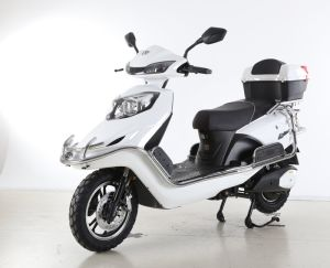 2000W Powerful Electric Motorcycle with Long Distance pictures & photos