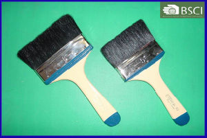 102 Black Bristle Paint Brush with Wooden Handle pictures & photos