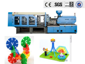 Plastic Flakes Injection Molding Machine pictures & photos