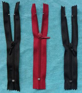 Black and Red Close End Nylon Zipper Rolls pictures & photos