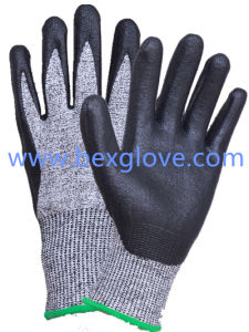 Nitrile Coated, 13 Gauge Anti-Cut Liner, Cut Resistance up to Level 5 Work Glove pictures & photos
