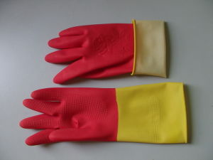 Bio Color Latex Household Gloves (Red and Yellow Double Color) pictures & photos