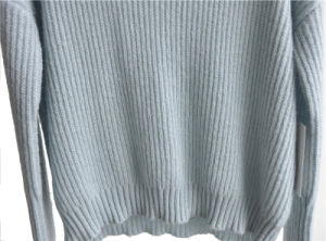 Ladies Round Neck Pure Color Pullover Knitted Sweater pictures & photos