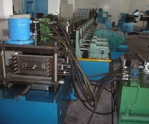 Galvanized Czu Purlin Roll Forming Machine Manufacturer pictures & photos