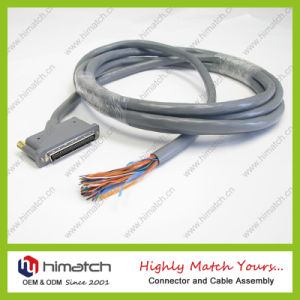 Hight Quality and Direct Sell SCSI 68 Pin Cable with Thumbscrews pictures & photos