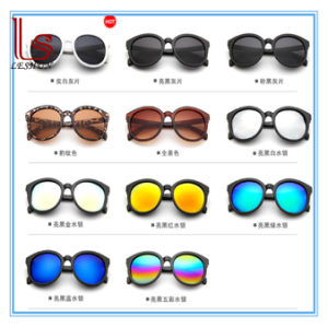 Fashion Colorful Women V Brand Woman Sunglasses pictures & photos