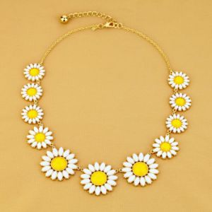 Fashion Zinc Alloy Sunflower Necklace with Stones Jewelry (xl00357)