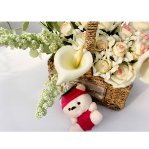 The Hottest Basket of Artificial Flowers05 pictures & photos