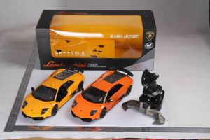 1: 14 Licensed Lamborghini Lp670 RC Model Car with Gravity Sensor Transmitter