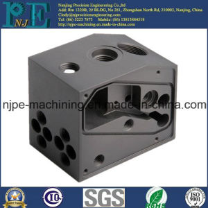 Customized Precision Plastic Injection Rod Clips pictures & photos