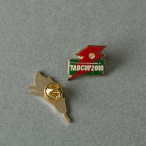 Custom Irregular Promotion Soft Enamel Epoxy-Dripping Pin (GZHY-SE-010) pictures & photos