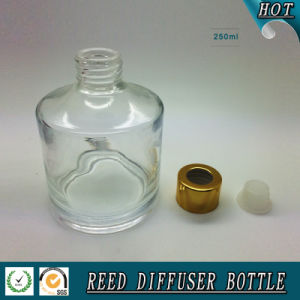 250ml Empty Glass Reed Diffuser Bottle with Gold Aluminum Cap pictures & photos
