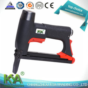 22ga 7116L Upholstery Staple Gun Tacker for Furnituring and So on pictures & photos