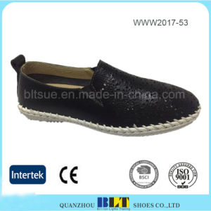 Rubber Outsole Design Loafer Flat Shoes for Women pictures & photos