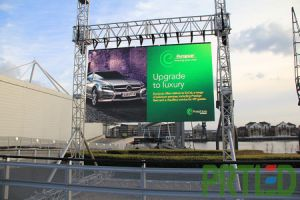 High Resolution Outdoor P4 Rental LED Video Display (512*512mm Panels) pictures & photos