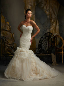 Embroidary Beading Beach Bridal Wedding Dress pictures & photos