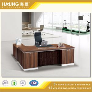 Classically Styled Office Furniture Executive Desks pictures & photos