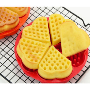 Hot Selling Non-Toxic Heart Shape Silicone Cake Mould Waffle Mold pictures & photos