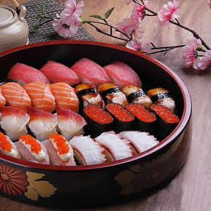 Automatic Suzumo Sushi Maki Roll Cutting Machine pictures & photos
