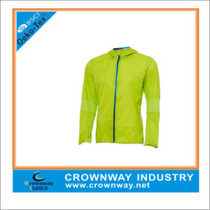 Fashion Spring Sports Hooded Lightweight Jacket for Men pictures & photos