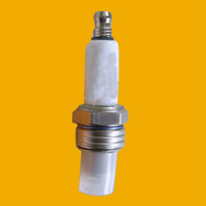 2015 Hot New Motorcycle Spark Plug for Bajaj Spark Plug pictures & photos