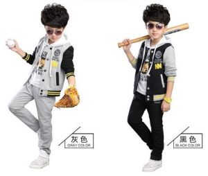 2015 New Arrival Two-Piece Autumn Winter Three Piece Suit Fashion Cotton Baseball Uniform Children Apparel pictures & photos