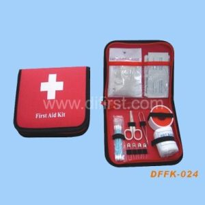Travel First Aid Kit for Emergency Treatment (DFFK-024) pictures & photos