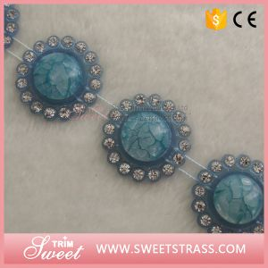 Bulk Sale Colored Resin Stone Trimming for Decorating Shoe pictures & photos